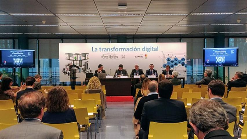 Conferencia sobre la digitalización en la industria.